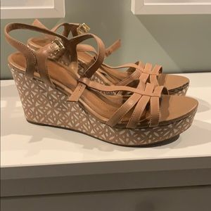 Clark's Women's Raven Dawn Wedge Sandal size 12